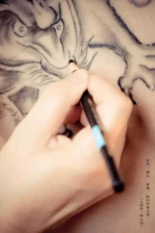 陈伟霆老九门纹身全图 老九门张大佛爷纹身是什么图案